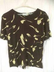 半袖のTシャツ