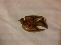 2064・しあわせの鳩・木製ブローチ