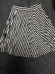 新品 ユニクロ フレア ボーダー スカート