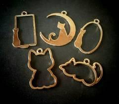 1スタ☆金属 猫のチャーム・フレーム5種類  10個