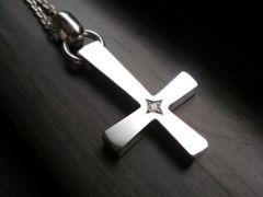 仁尾彫金『一つ星ダイヤビック逆十字クロス、チェーン無し』