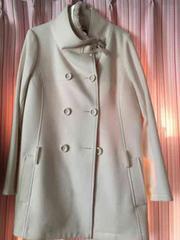 ペイトンプレイス白コート
