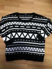 新品★柄のセーター★Mサイズ★黒×白★