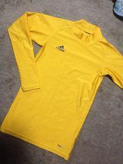アディダス 黄色アンダーシャツ