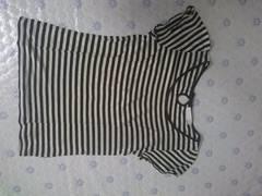 アースミュージック&エコロジー 黒白ボーダーTシャツ 美品
