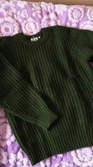 シンプルなデザイン☆グリーン色のセーター☆M ウール100%