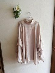 H&M CONSCIOUS ☆フリル袖ブラウストップス☆ベージュ