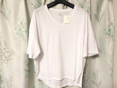 新品未使用アースミュージック&エコロジー5分袖VネックTシャツ