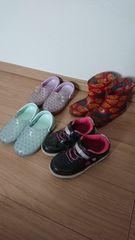 17�p〜18�p女の子長靴サンダルセット!