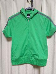 ナイキ女性用半袖ウェア Sサイズ グリーン