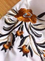 新品トレンド!超ボリューミーなギャザースリーブに大人っぽい刺繍ブラウスW1点