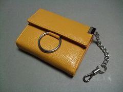 【即決 激安】合皮 チェーン付き 2つ折財布 新品 マスタード系