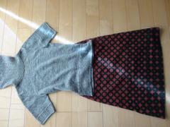 ホコモモラ可愛い丸柄スカート+新品半袖ニット