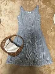 Ferouxフェルウ裾刺繍マリンボーダーワンピースグレーホワイト2