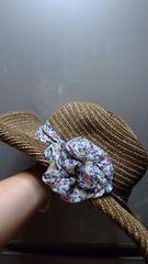 新品★女優帽!?「花コサージュ付きエレガントな帽子」=茶系