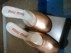 MIUMIU/ミュウミュウ シャンパンゴールドサンダル