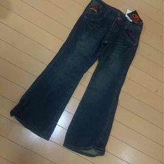 新品◆ゴールド刺繍デニムジーンズ◆ハートピース130