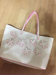 エスティローダー ホワイト×濃ピンク 花飾りカバン