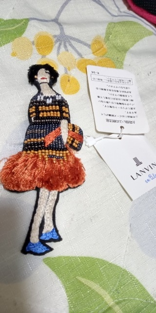 新品LANVIN オンブルー★刺繍ブローチ可愛い  < ブランドの