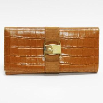 フェラガモ 二つ折り長財布 型押しレザー ヴァラ 良品 正規