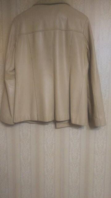 牛革レザージャケット < 女性ファッションの