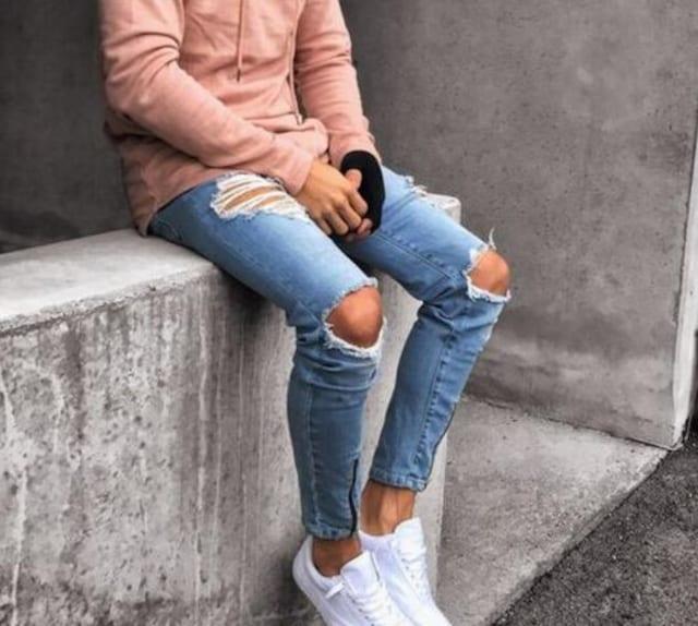 メンズジーンズ デニムパンツ ジーパン ダメージ加工 AK482 < 男性ファッションの