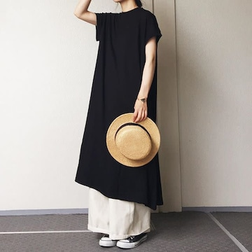 �BZARA☆Tシャツ素材のブラックワンピース