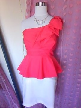 dazzy胸元プリーツ風 ワンショルおリボン&ペプラム綺麗な形のミニドレス