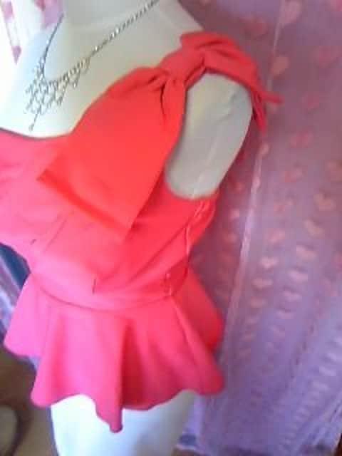 dazzy胸元プリーツ風 ワンショルおリボン&ペプラム綺麗な形のミニドレス < 女性ファッションの