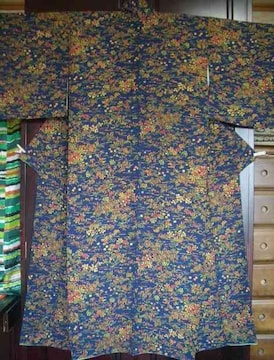 草花蝶々染紋様の 袷のお着物