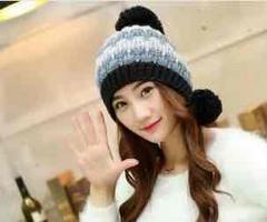【新品】ボンボン付カラフルニット帽 フリーサイズ ブラック