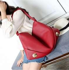 新品大きいサイズ ワンハンドショルダーバッグ赤レッドマザーズバッグにも