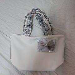 白いミニトートバッグ