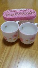 未使用 梅宮アンナ マグカップ2個セット+バスケット 花柄