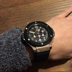 世界時計セレブデザイン★ゴールド仕様スポーティ腕時計MEGIR