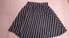 即決☆MサイズINGNI☆紺色&赤のストライプ膝丈スカート
