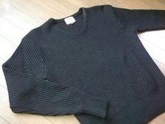 ★シンプルなVネックニット/セーター黒ユニセックスMサイズ
