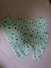 120 恐竜柄のパジャマ