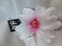 コサージュH&M髪飾りピンク白お花ドレス浴衣ワンピ新品フェス