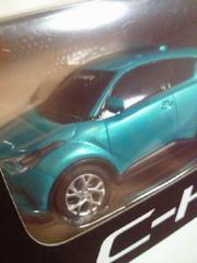 トヨタ自動車 C-HR プルバックカー ミニカー グリーン 箱