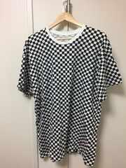 シュプリームTシャツ。