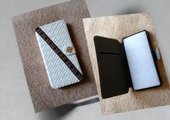ハンドメイド■iPhone 7 手帳型 ケース ■スタンドにもなる