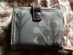 オーラカイリー 紺色樹木柄折財布