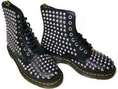 ドクターマーチン新品15392001ブーツ黒スタッズ銀 鋲ハードuk5