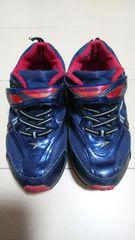 瞬足。19センチ。紺色。靴。男の子