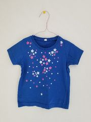 青に白とピンクの星の半袖Tシャツ95