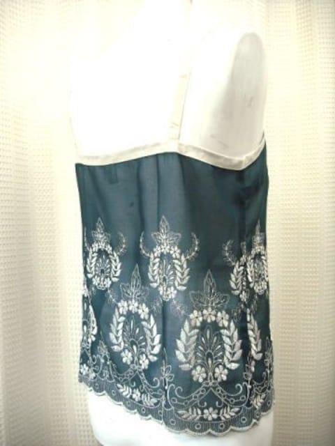 【torche a tout】【未使用品】刺繍入りキャミソール < 女性ファッションの