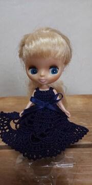 プチブライス紺のレース編みドレス