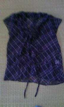 半袖フリルの服