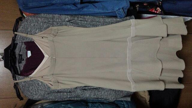 ベージュキャミミニワンピースリボンブローチレース秋冬国産S〜M < 女性ファッションの